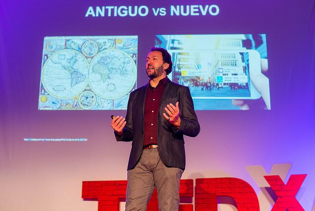 Los nuevos mapas: todo sucede en algún lugar | Gersón Beltrán | TEDxAlcoi