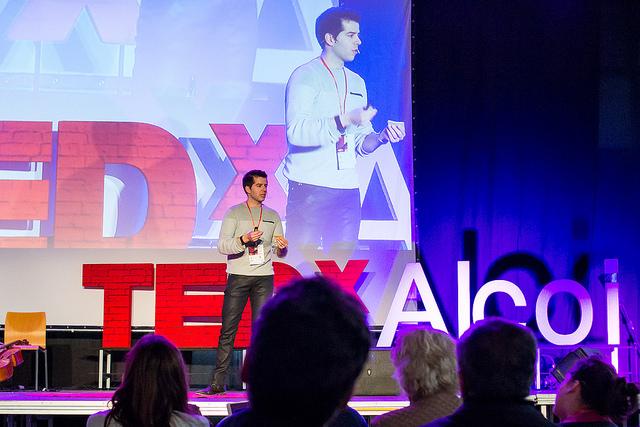 Circunstancias de un trabajo especial | Juanma Guillermo | TEDxAlcoi